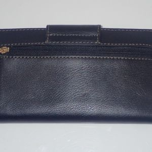 Fossil Bags - Fossil Women's Flat Slim Tab Wallet Black Like NEW